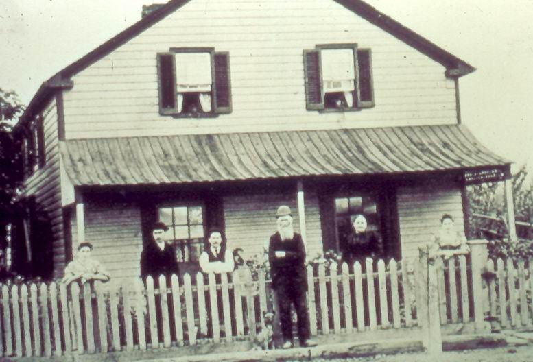 Dewdrop Inn, Lisgar, c1900