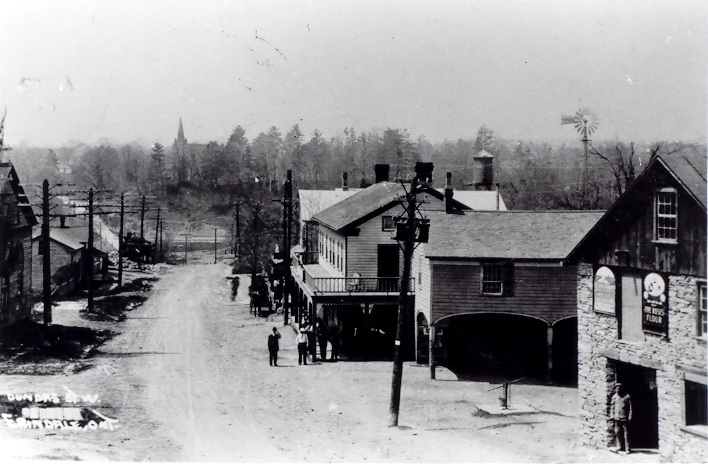 Erindale, Dundas Street looking west, c1915